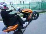 Yamaha Aerox Wheelie