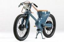 Skútr, Moped nebo Café Racer? Ani jedno. Honda Cub je v elektrické verzi!