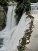 11 Pohled z hrany není zrovna tradiční snímek vodopádu v Jajcích.