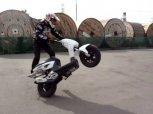 Yamaha Slider stunt